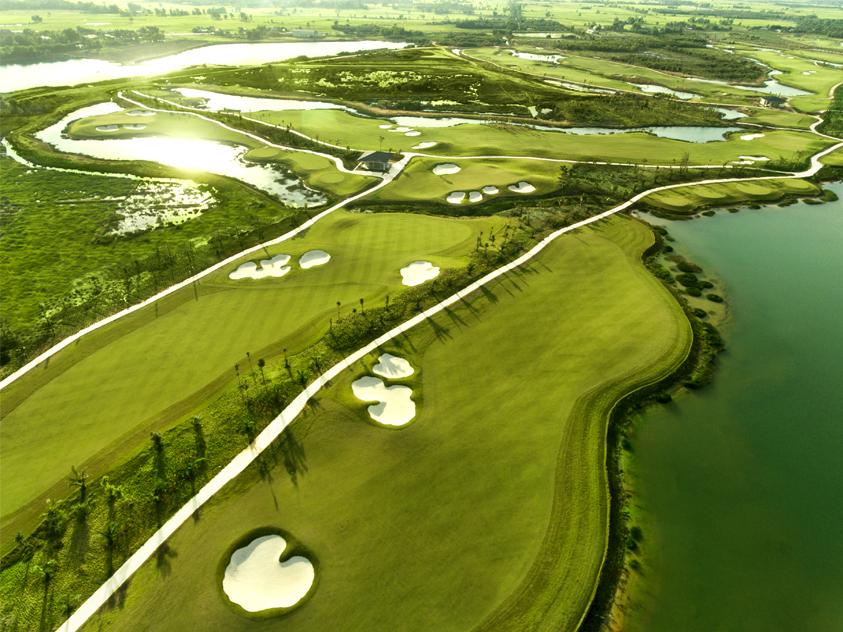 Đôi nét về khu sân golf có tại West Lakes Golf & Villas
